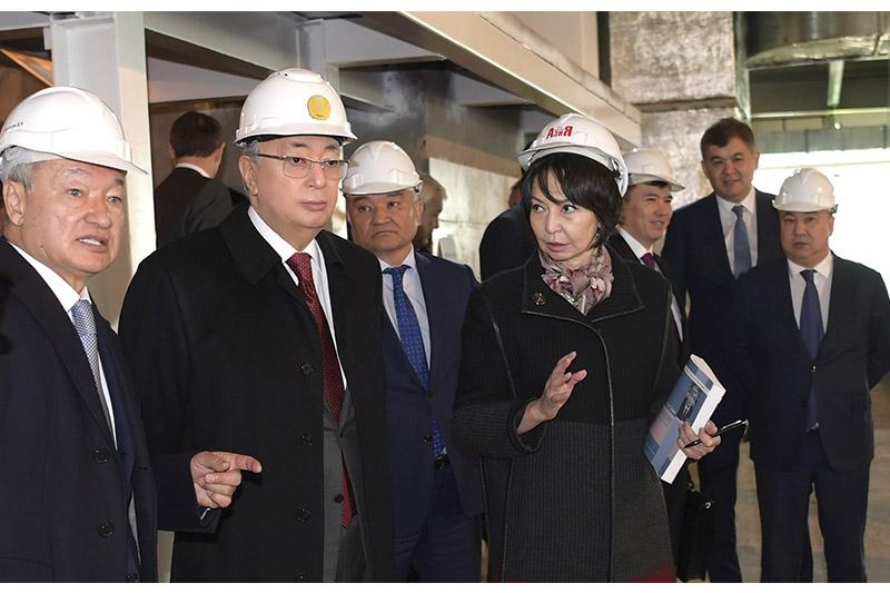 Касым-Жомарт Токаев ознакомился со строительством культурно-спортивного комплекса «Абай Арена»