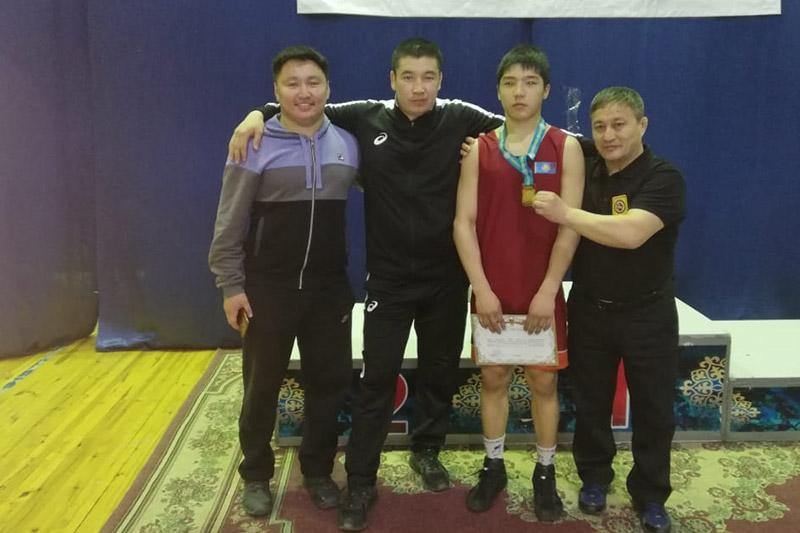 14 жастағы ақмолалық бозбала еркін күрестен Қазақстан чемпионы атанды