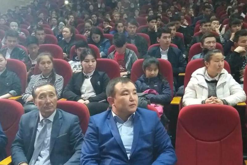 Молодежь Шымкента поддержала решение съезда партии «Nur Otan»