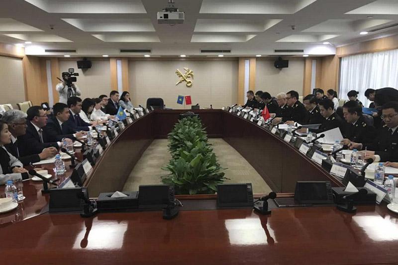 哈萨克斯坦国家收入委员会同中国海关总署签署一系列合作协议