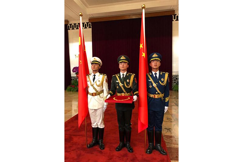 Си Цзиньпин Нұрсұлтан Назарбаевты ҚХР-дың «Достық» Орденімен марапаттады