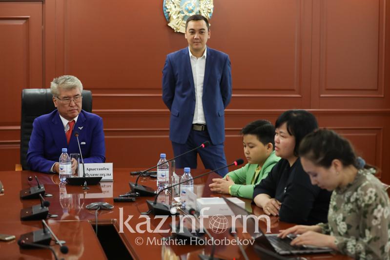 Арыстанбек Мухамедиулы прокомментировал результаты проекта «Голос. Дети»