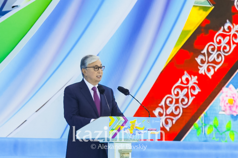 托卡耶夫总统向人民致以团结日祝贺