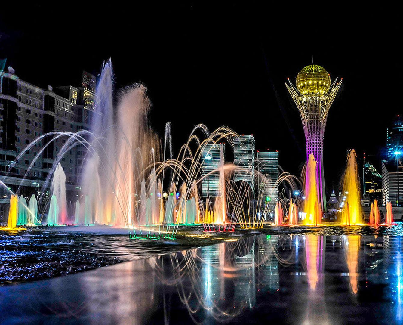 В столице запустили фонтаны