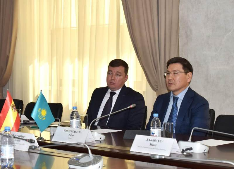 哈萨克斯坦和西班牙进一步加强国防工业合作