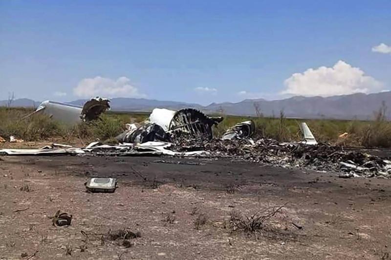 一架私人飞机在墨西哥坠毁机上13人全部遇难