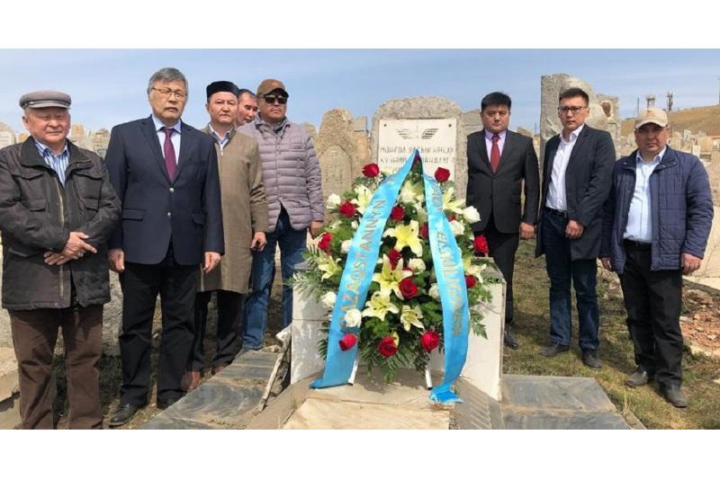 В Улан-Баторе почтили память казаха-генерала Мудариса Зайсанова