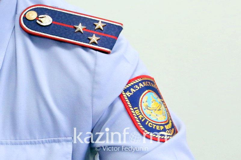 Полицейского в Алматы наградили за спасение 6 человек при пожаре