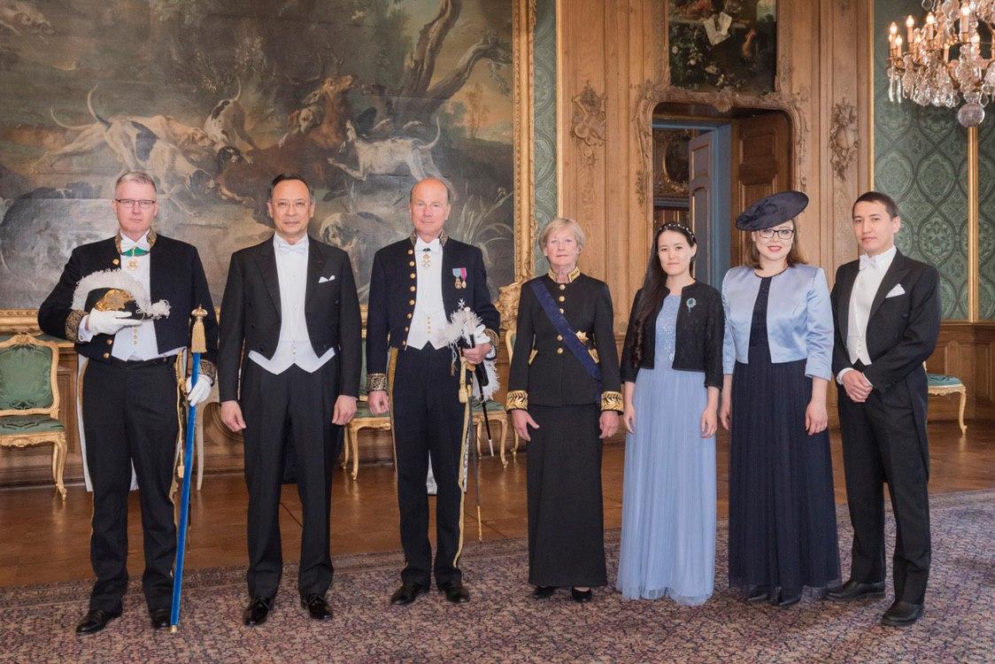 哈萨克斯坦大使向瑞典国王递交国书