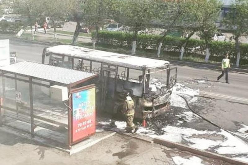 Второй автобус за три дня сгорел в Петропавловске