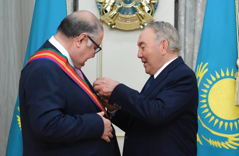 Елбасы Алишер Усмановты «Достық» орденімен марапаттады