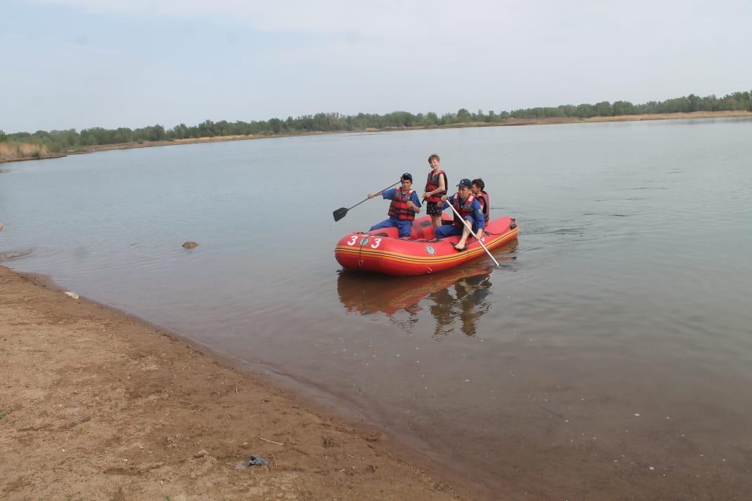 Двух детей спасли на искусственном водоеме в Уральске