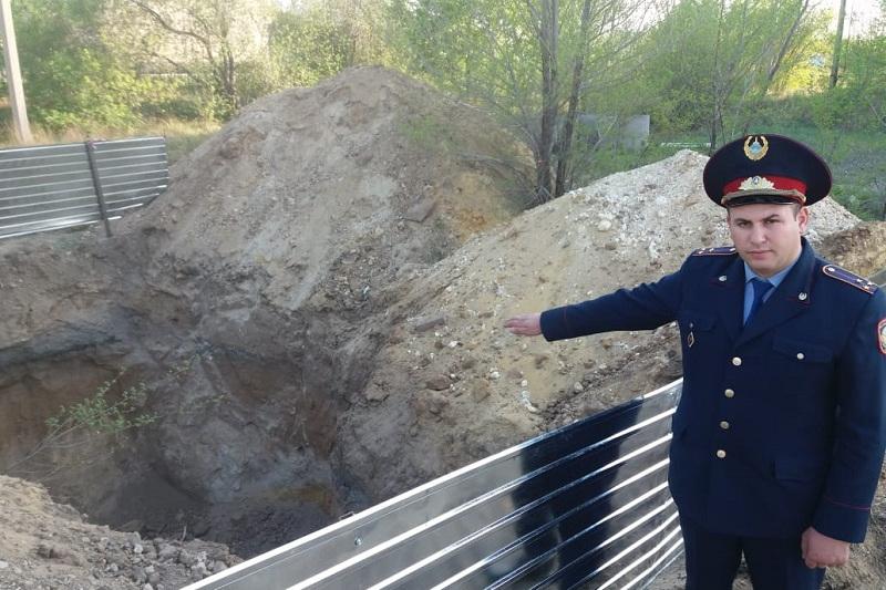 Полицейский руками откопал мальчика из-под завала в Экибастузе