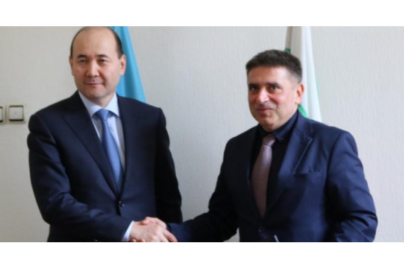 哈萨克斯坦与保加利亚签署引渡条约