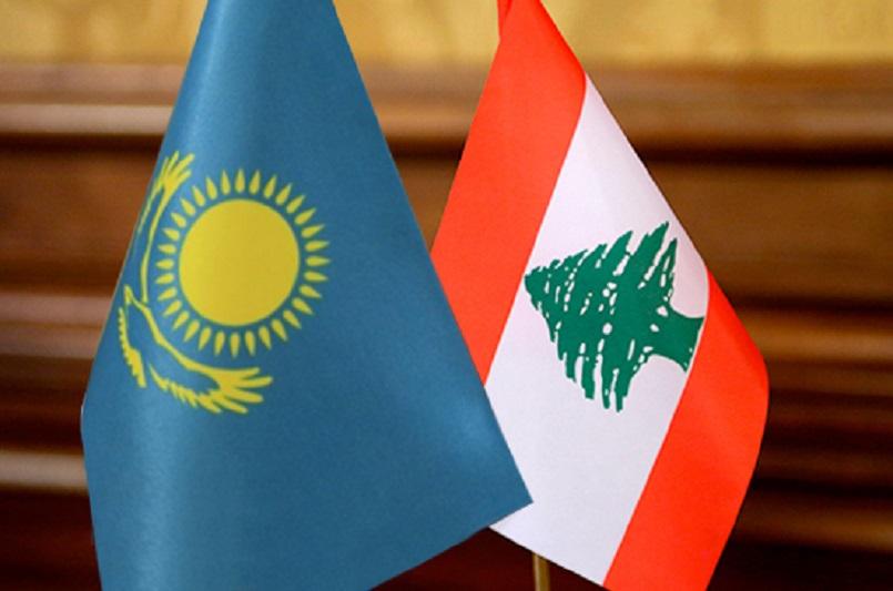 哈萨克斯坦国防部长访问黎巴嫩