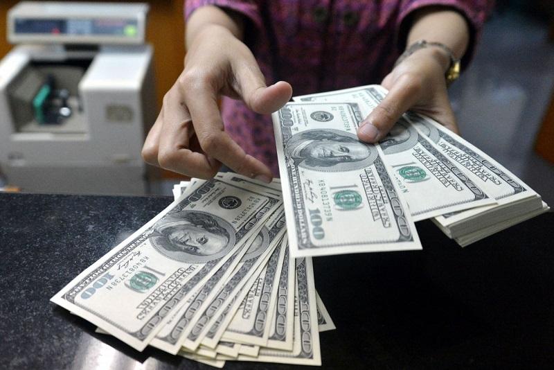 今日美元兑坚戈终盘汇率1:379.87