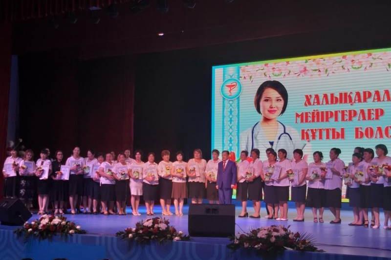 Лучшим медсестрам вручили путевки в Туркестанской области