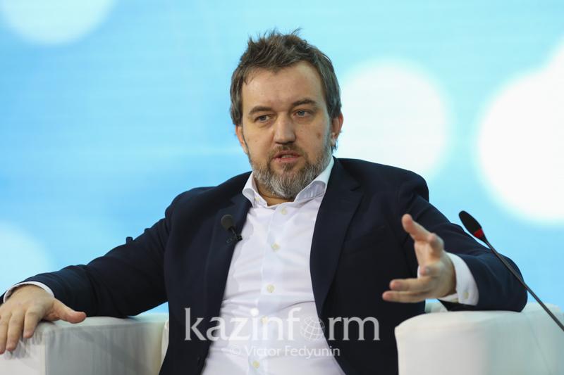 Об особенностях проекта «Мама, мы дома» рассказал Даурен Абаев