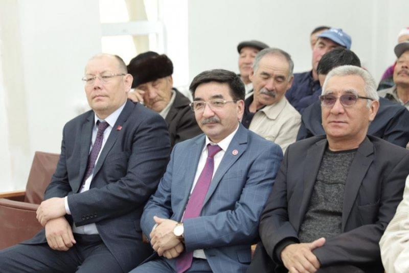 Жамбыл Ахметбеков встретился с избирателями Коргалжынского района Акмолинской области