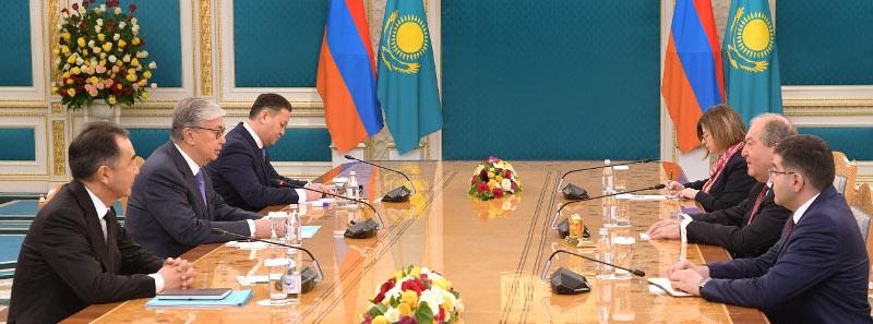Қасым-Жомарт Тоқаев Армения Президентімен кездесті