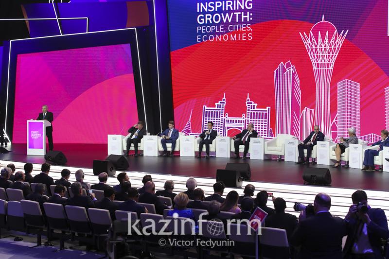 纳扎尔巴耶夫呼吁世界强国进行直接对话