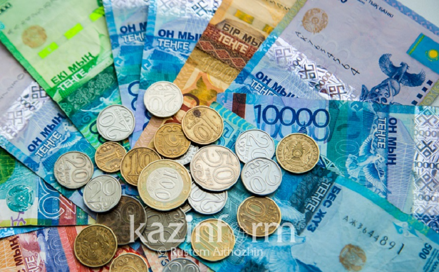 Слухи о прекращении выплат АСП опровергли в Минтруда