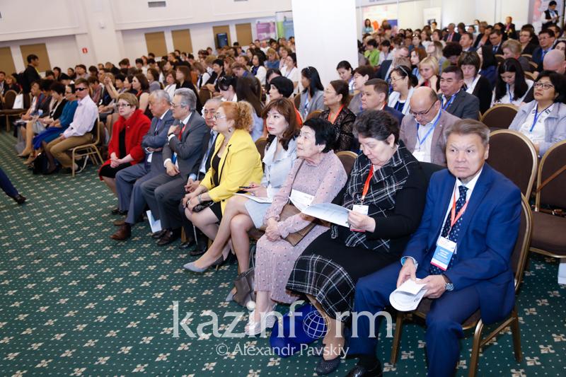 В Казахстане отмечается снижение материнской и детской смертности