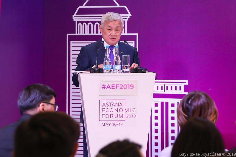 О грядущих изменениях на рынке труда рассказал Бердибек Сапарбаев