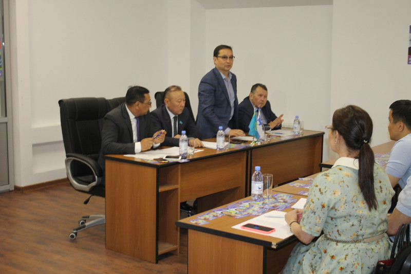 Yespayeva's election campaign team meets RauanNalco staff in Atyrau