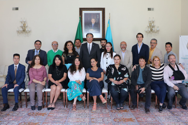 Information on snap presidential elections in Kazakhstan  presented in Mexico
