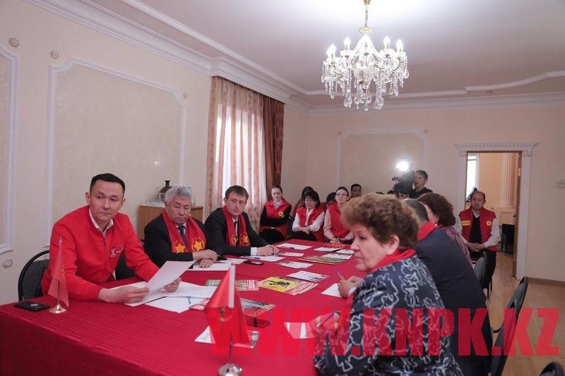 Жамбыл Ахметбеков штабы өңірлік үгіт топтарымен кеңейтілген отырыс өткізді