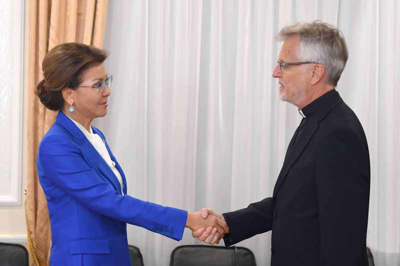 Senate Speaker, Lutheran World Federation Sec Gen meet in Astana