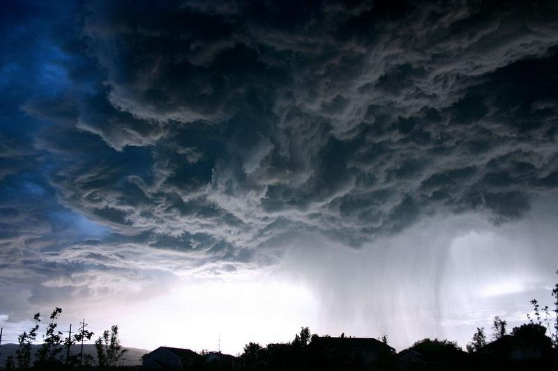 Шторм и грозы прогнозируются в субботу в пяти областях РК