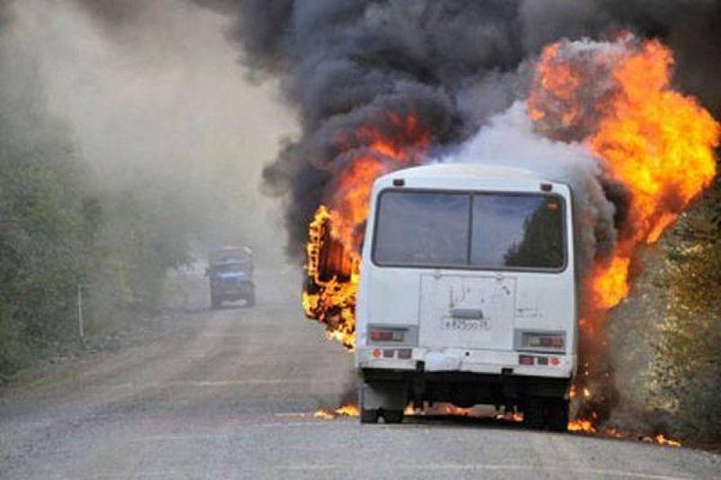 Екібастұзда жолаушылар автобусы өртенді