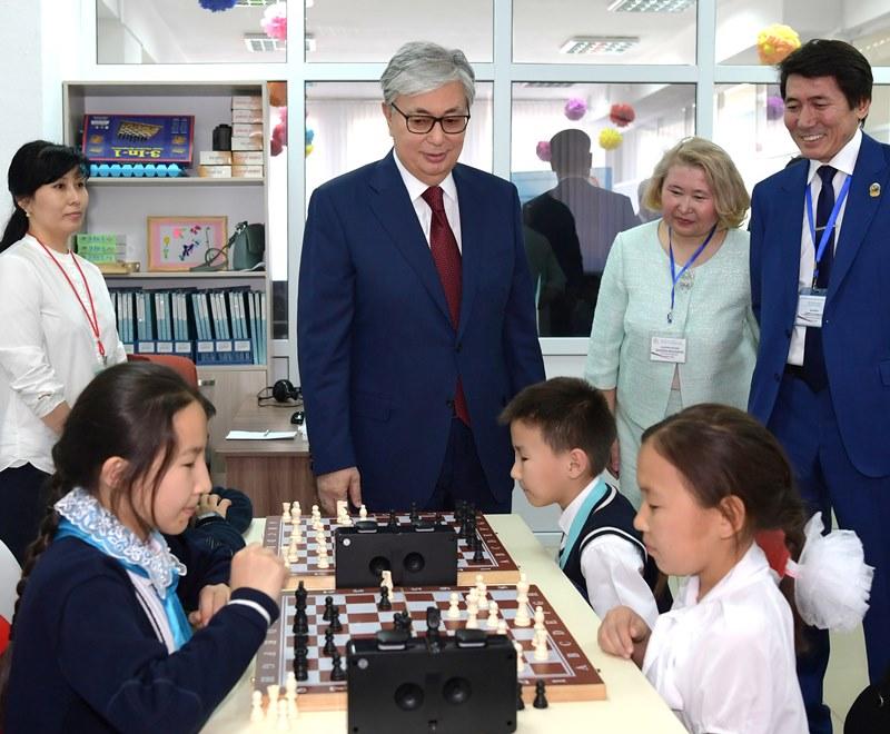 Мемлекет басшысы астанадағы №68 мектеп-гимназияға барды