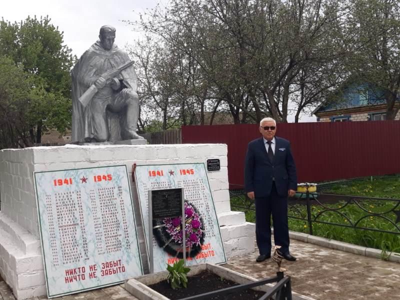 Близкие пропавшего без вести в 1942 году солдата из Атырау побывали на его могиле