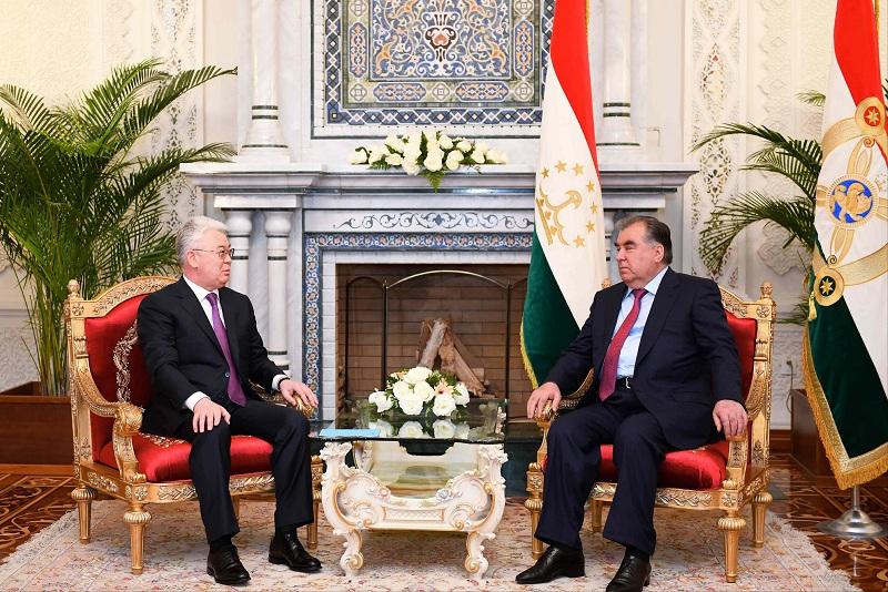 哈萨克斯坦外长会见塔吉克斯坦总统