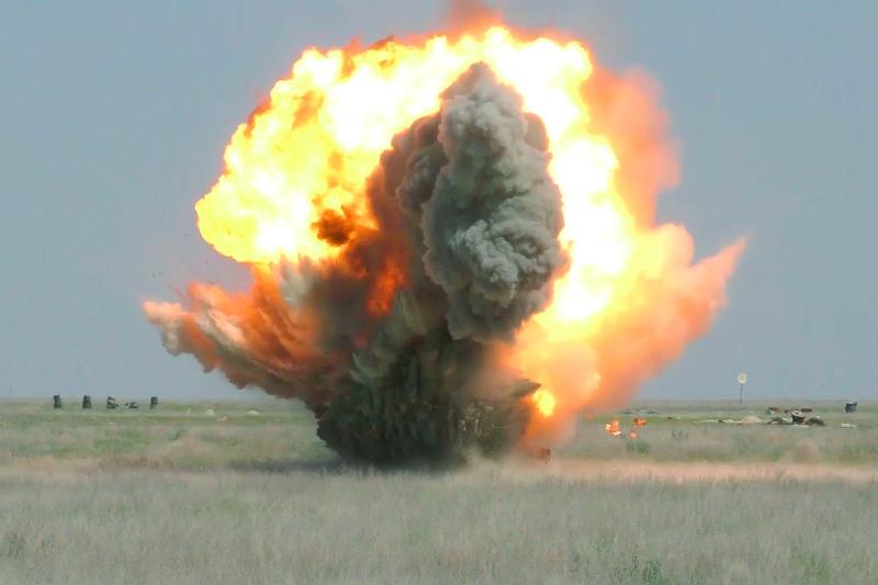 Взрывы гремят на полигонах трех западных областей Казахстана