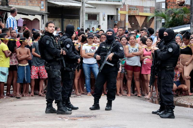 巴西一酒吧枪击事件致死11人