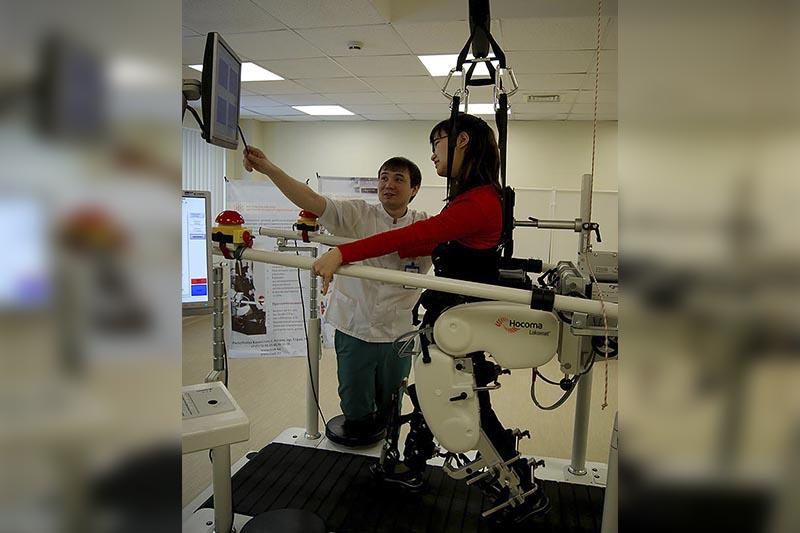 Роботтар, экзотикалық саябақ: Елордадағы балаларды оңалту орталығы қалай жұмыс істейді