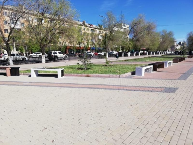 «Умные» скамейки заработали в Караганде