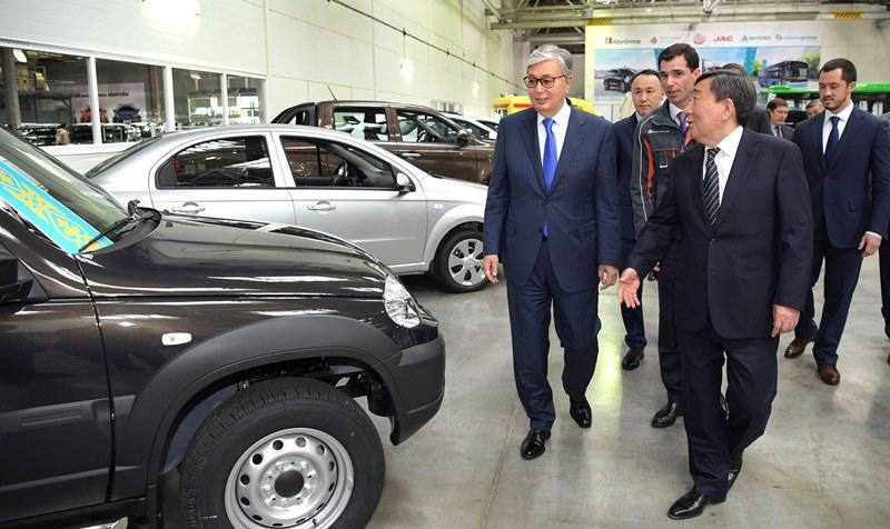 Президент Казаxстана посетил «СарыаркаАвтоПром»