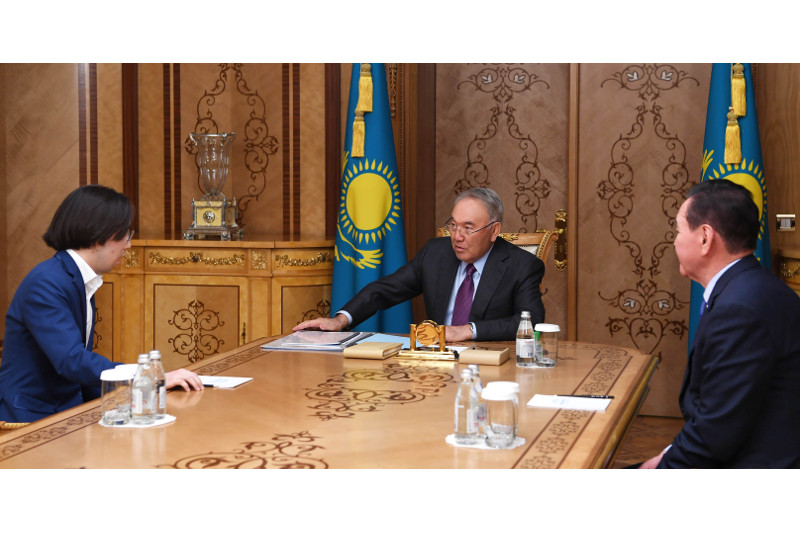 Young composer represents opera about independent Kazakhstan to Nursultan Nazarbayev