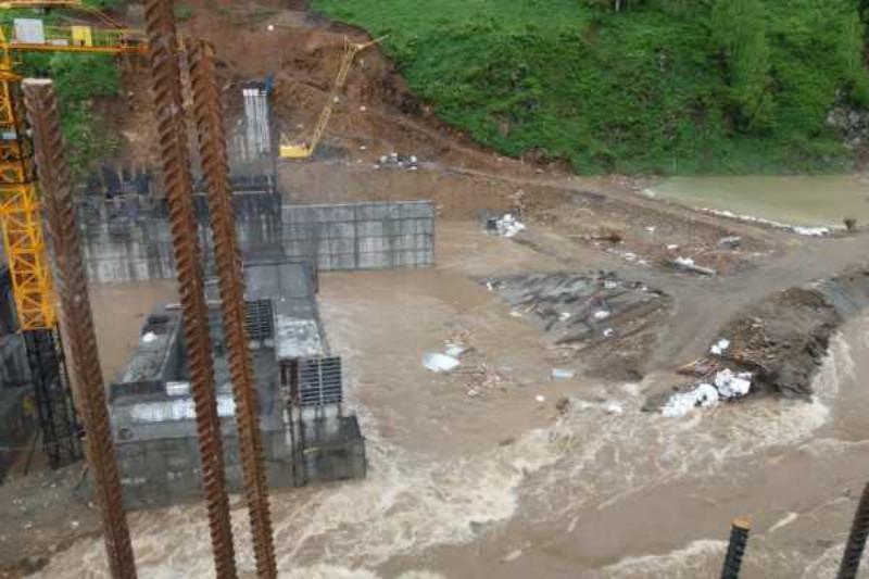 Строящуюся гидроэлектростанцию подтопило в Восточно-Казахстанской области