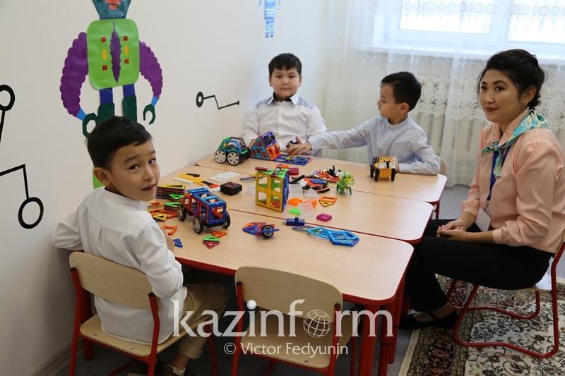 Ануар Жангозин объяснил регистрацию сотен детей на свое имя