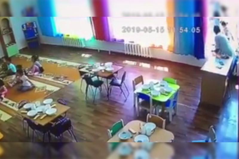 Падение ребенка из окна в Талдыкоргане: воспитательницу отстранили от работы