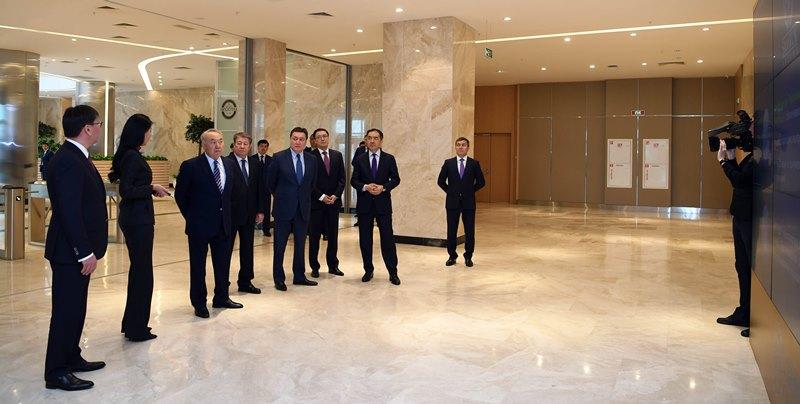 Nazarbayev calls on Samruk-Kazyna to make employment procedure transparent