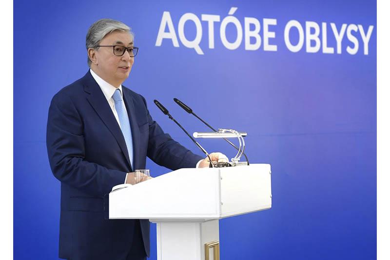 Проблема трехсменных и аварийных школ до конца 2022 года будет решена - Президент