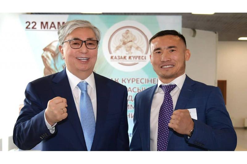 Касым-Жомарт Токаев пожелал удачи боксеру Канату Исламу