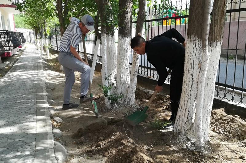Военнослужащие казахстанской армии помогли одиноким пожилым людям